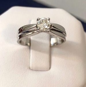 14K Gold .35tc.Diamond Solitaire Engagement Ring/Valued at 2,400