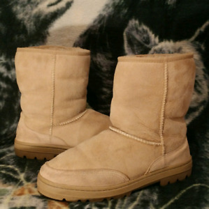 UGG Australia Classic Short Taupe Womens Sz 11 Boots