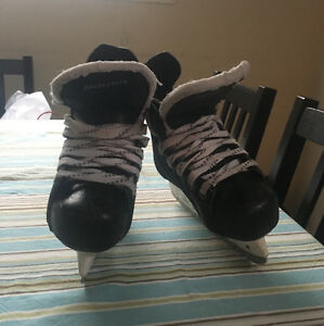 Bauer Youth Skates Size 12