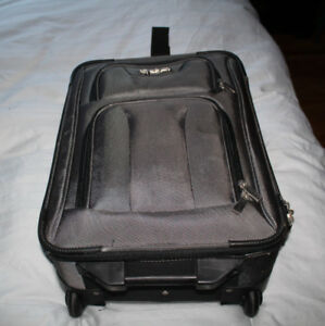 New rolling travel luggage travel , carry on size