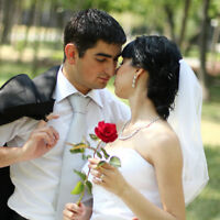 Wedding Photographer Summer Special - 5 hours 600$