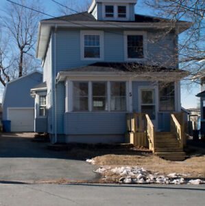 5 Thompson Street, Dartmouth - VIEWBID.CA - AUCTION