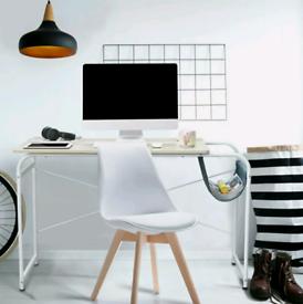 Desk brand new
