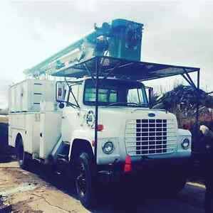 FORD BUCKET TRUCK MUST SEE !!!