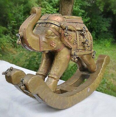 antiker Schaukelefant mit Messingbeschlag und Schellen - Indien - 30x20x10cm