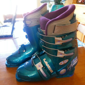 Ski boots in immaculate shape
