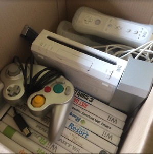 Wii CONSOLE, CONTROLLERS & GAMES, BUNDLE FOR CHEAP!