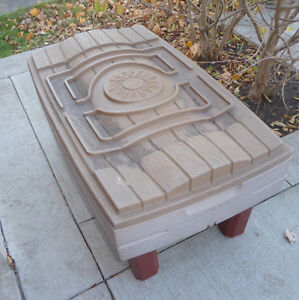 Large Step2 water and sand table with road pieces Kitchener / Waterloo Kitchener Area image 1