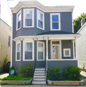 Downtown House FOR RENT! Fenced in backyard & A/C