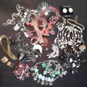 MIXED JEWELLERY LOT....LOT SALE ONLY!
