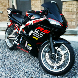 99 yamaha R6 YZF-R with all accessories shown in picture