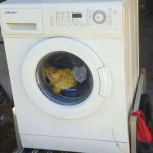 APARTMENT SIZE FRONT LOAD WASHER WORKS GREAT!