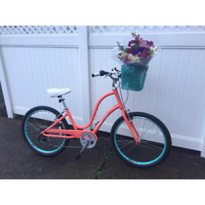 Woman's Cruiser    Townie 7D Electra