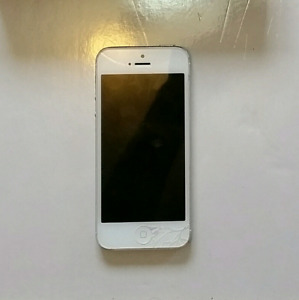 iPhone 5 - (16GB) - ROGERS/FIDO/CHATR
