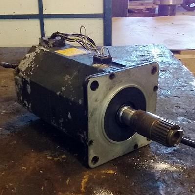 Fanuc A122000 2.1kw 186v 7.4a Ac Servo Motor A06b-0142-b6750003