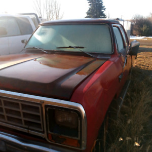 1982 Red Dodge 1500 Club Cab