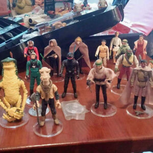 BUYING VINTAGE STAR WARS FIGURES AND SHIPS 1977-1985 .