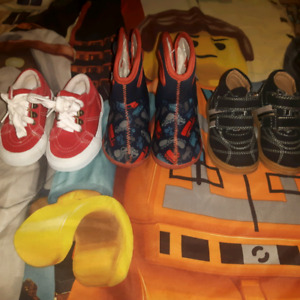 Size 5 toddler boys shoes/boots