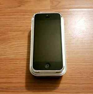 16GB iPhone 5c (Telus/Koodo) w Original Box
