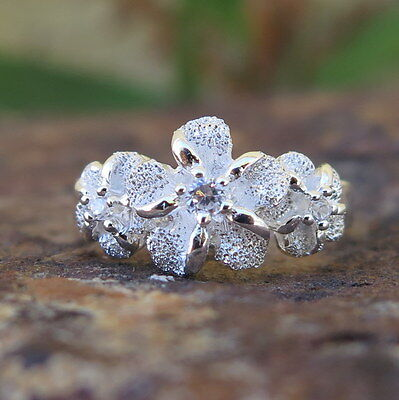 (Hawaiian Silver Sand Texture Three Plumeria Flowers CZ Wedding Ring Band SR2091)