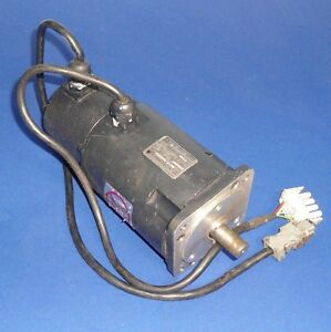 Yaskawa Electric 3 Phase 200w 0 24nm Ac Servo Motor Usahem
