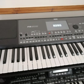 Yamaha Tyros 5 76keys XXL set | in Northampton