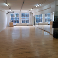 Christmas party studio space for rent hourly/ studio à louer
