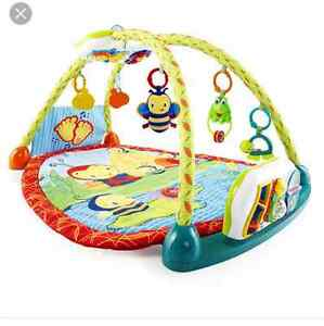 Activity mat and pumbo chair