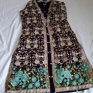 Latest Pakistani dresses for sale n kurtis also available, agha