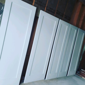 custom fininshing painting and staining