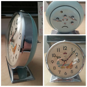 60's animated pecking hen alarm clock!