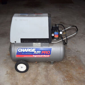 Compresseur INGERSOLL RAND CHARGE AIR PRO AIR COMPRESSOR 2.5 HP