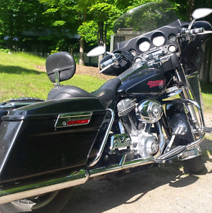 2007 Harley FLHT near Sharbot Lake