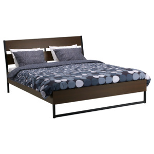 READ ME :) Bed frame ( size: full )
