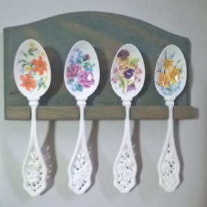 Avon Porcelain Spoons Collectible Set of 4 spoons