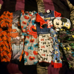 Toddler boys pyjamas 2t