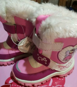 NWT size 9 toddler boots