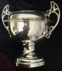 Vintage Silver Plate Sugar/Caviar Bowl With 12 Hanging Spoons Stratford Kitchener Area image 5
