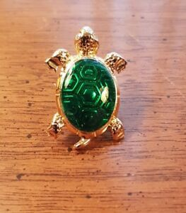 Turtle Broach Gold Plated Boxed Avon $10