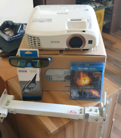 PROJECTOR EPSON EH-TW5350 3D WiFi FULL HD + 3D GLASSES,