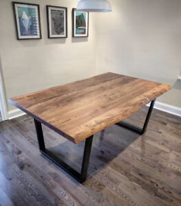 ** RECLAIMED WOOD FURNITURE AND BARN BOARD **