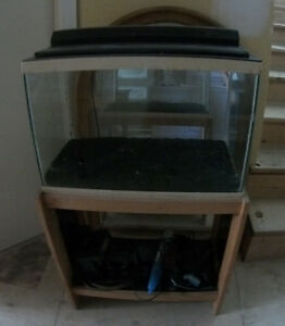 15 gallon fish tank / Aquarium