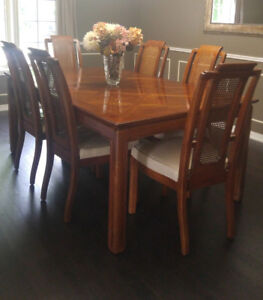 Moving- Beautiful High End Dining Table and 6 Chairs for Sale