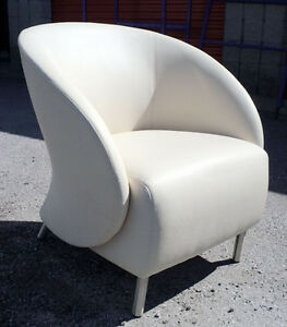 Keilhauer Croft Contemporary Lounge Chair - Off White Leather