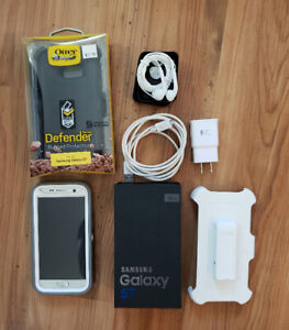 Samsung Galaxy S7 unlocked - new condition with 2 otterboxes