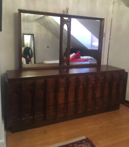 ESTATE SALE (BED FRAME, DRESSER, CHAIRS, SOFAS, ETC)