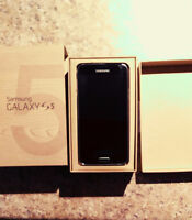Samsung galaxy s5 mint and accessories