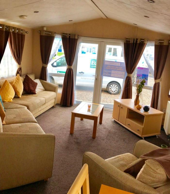 Stunning Pre Owned 8 Perth Static Caravan With Patio Doors