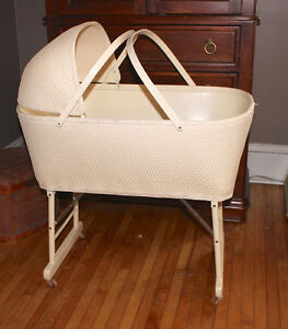 Baby Basinet 1940s ~ Full size portable bed