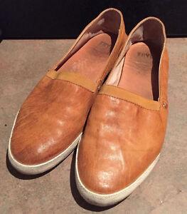 Frye Melanie Slip On Shoes Leather Camel Sand Size 7